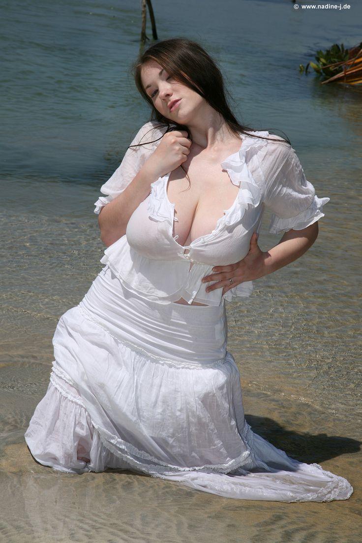 Virginie ledoyen the beach