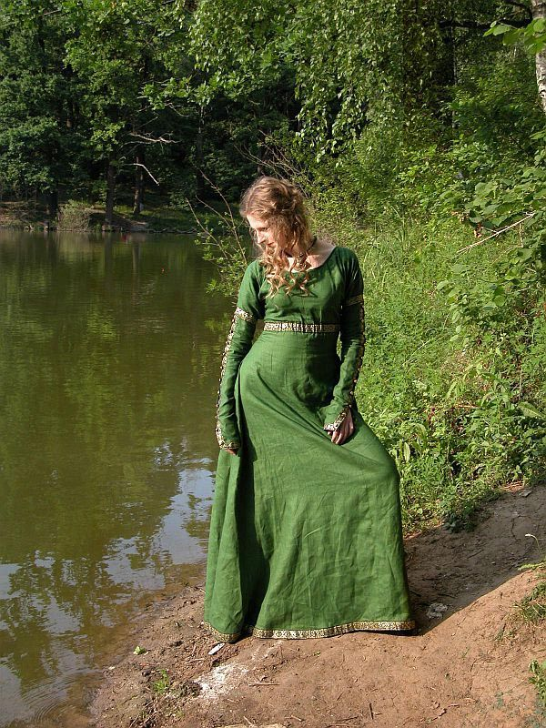 Forest Princess – Medieval Renaissance Dress Tunic in Linen