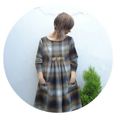 Ivy Arch: A plaid habit: Stylish Dress Book 1 - Dress E