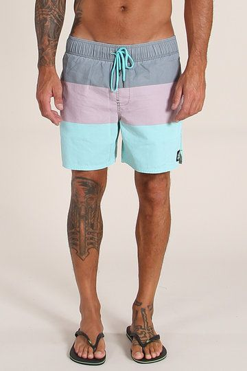 If you're going to walk up to the pool board with all the brovado of an Olympic diver, then you better have a pair of cocky shorts to match. The Daily Volley Walkshorts from O'Neill are a confident mix of block colour panelling and vintage fade pastel. Perfect for strutting the goods poolside.