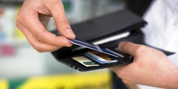 Gelir belgesi olmadan kredi veren bankaları sizin için araştırdık.İhtiyacı için kredi çekmek isteyip de gelirini belgeleyemeyen tüketicilerin gelir belges