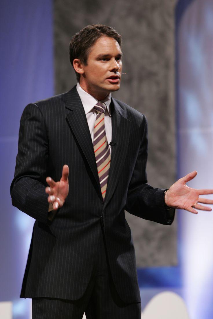 "Ricercatore e autore di successo, Marcus Buckingham è autore di ""First, break all the rules"", del bestseller ""Now discover your strenghts"" e del recente ""Standout"".   Scopri i #PROVOCATORI del #WBFMI su http://events.wobi.com/it/world-business-forum-milano-2014/?utm_source=pinterest&utm_medium=social&utm_campaign=PROVOCATEURS-WBFMilan #WOBI"