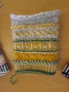 Marias garnhändelser: Twined knitted mittens Hilma. Pattern in Swedish