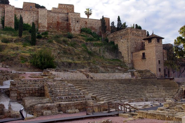Málaga.  Teatro Romano y Alcazaba