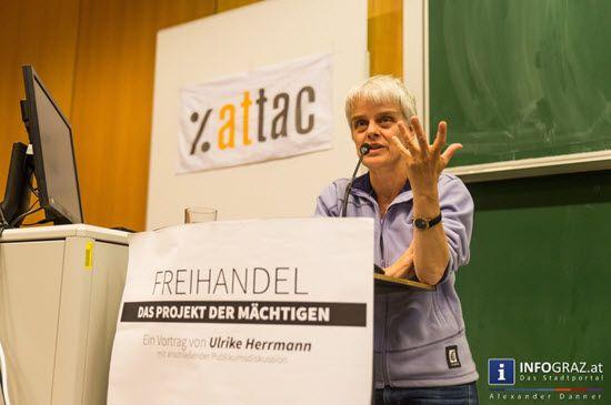 """Bilder aus dem RESOWI Graz. """"Freihandel - das Projekt der Mächtigen"""" - Vortrag von Ulrike Herrmann, Wirtschaftskorrespondentin der Berliner taz #Bilder, #RESOWI #Graz, #Freihandel, #Projekt der #Mächtigen, #Vortrag, #Ulrike #Herrmann, #Wirtschaftskorrespondentin, #Berliner #taz, #Diskussion, #TTIP, #Medien, #Kritik, #Freihandelsabkommen, #USA und #EU, #breitere #gesellschaftliche #Basis"""