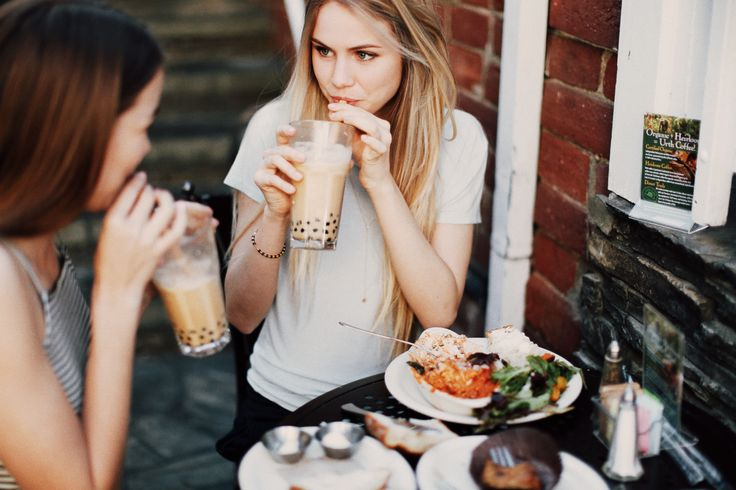 Alice and I bond over coffee and desserts. I think I'll ask Alice over to visit this week.......