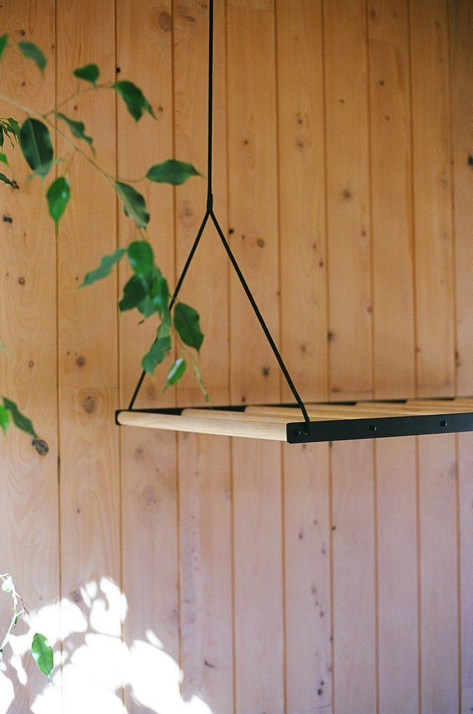 Hanging Drying Rack – This is an idea which has come as a solution to a common problem and mutual dislike of broken wire clothes horses.