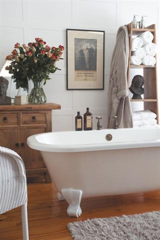 Rustic vintage bathroom/Antieksjiek-badkamer