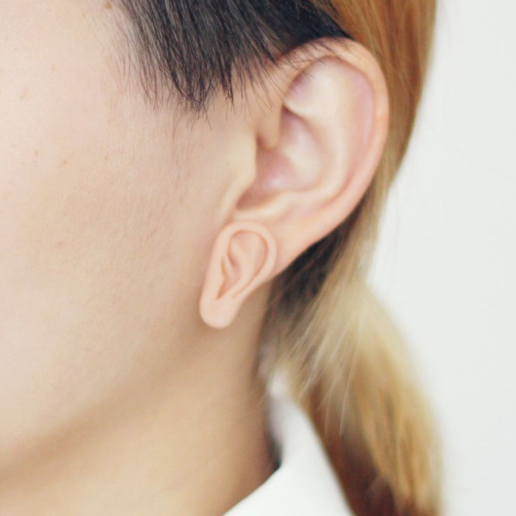 An ear for your ear- little third ear, earring.: Body Parts, Jewelry Design, Funny, Fashion Accessories, Third Ears, Ears Earrings, Trippy, Human Body, Miniature
