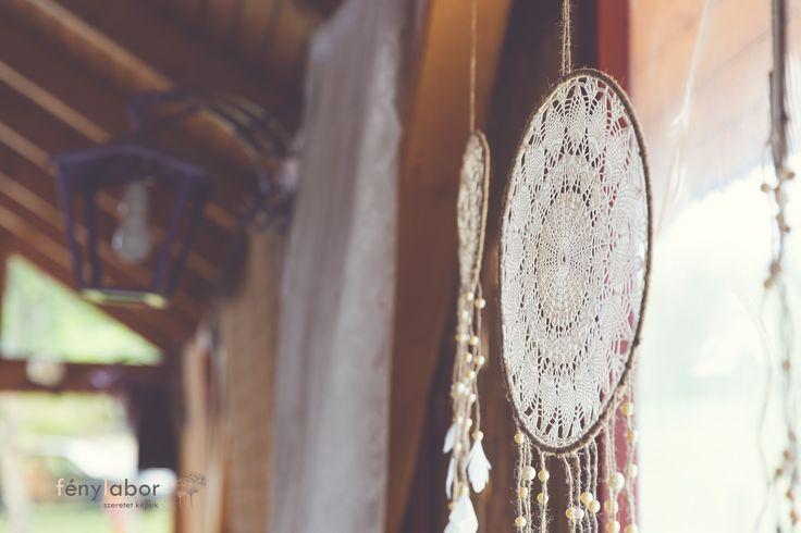 www.somethingoldbride.com www.facebook.com/SomethingOldBride  Fotók / Photos: Fénylabor - szeret képek  Ruhák,kiegészítők, teljes dekoráció / Clothes, accessories, full decoration: Something Old Bride ( Én / Iam)