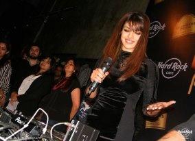 Priyanka Chopra grooving at Hard Rock Cafe Mumbai