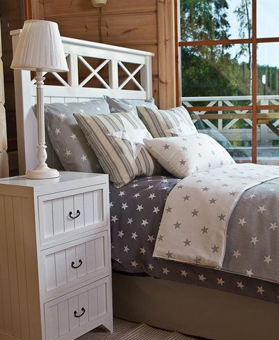 Grey stars cushions * Harmaanvärinen tähti koristetyyny