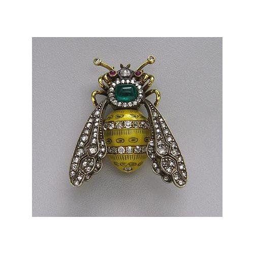 130: SILVER, GOLD, ENAMEL, DIAMOND AND EMERALD BEE BROOCH, CIRCA 1890
