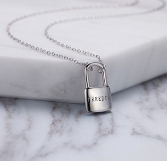 Sterling silver freedom Lock pendant necklace   weight: 3.1g  Size: 9.6mm Free Shipping