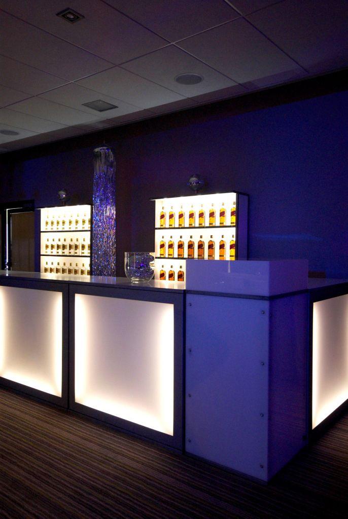 Vous voulez offrir boire vos invit s dans un cadre de - Decoration boite de nuit ...