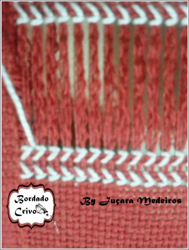 Esta semana estou postando o PASSO A PASSO da Toalha Vermelha da Karsten feita com fios da Coats Corrente Perlé branco. O passo a passo dest...