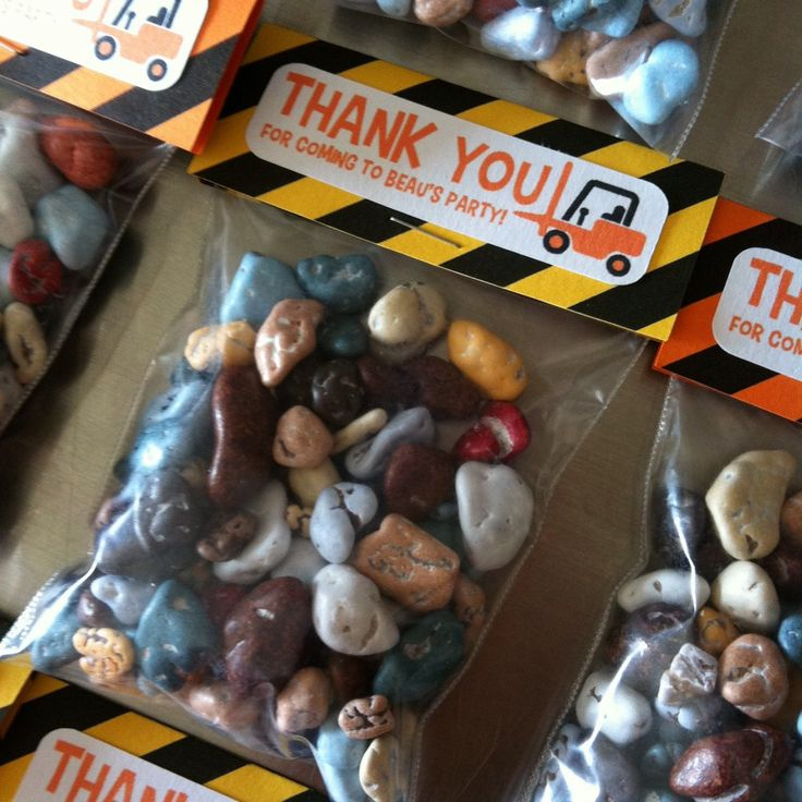 Candy rocks for construction themed party favors! Too cute!