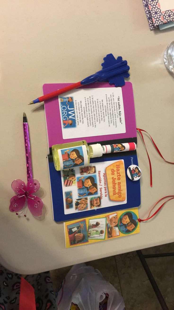 Caleb and Sophia gifts for kids in our Hall. Regalos de Sofia y Caleb para Los niños de la Cong