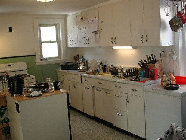 Small Kitchen Makeovers https://www.tipsclear.com/small-kitchen-makeovers-budget/ … #kitchen #HomeImprovement #HomeImprovementTip #DigitalMarketing #tipsclear #homedecor #tips