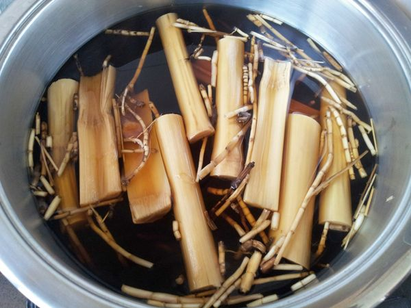 Chinese Herbal Tea Sugarcane Lalang Grass Rhizoma Luo Han Guo on http://www.livingincmajor.com/chinese-herbal-tea-recipe-sugarcane-lalang-grass-rhizoma-luo-han-guo