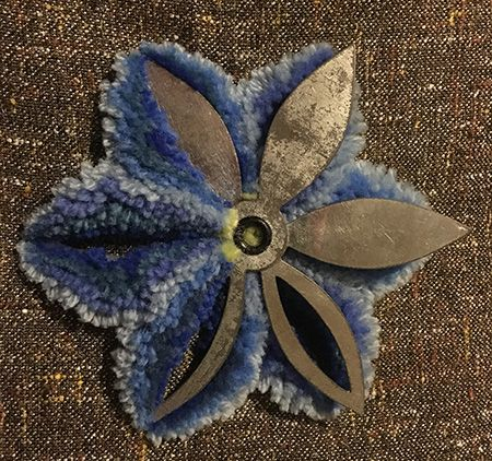 Amish plushwork photo tutorial. Includes templates you can make at home from plastic or cardboard