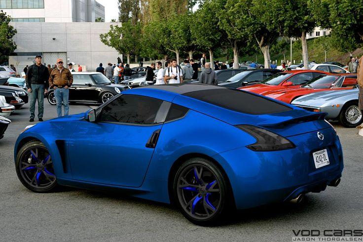 350z Nissan blue & black