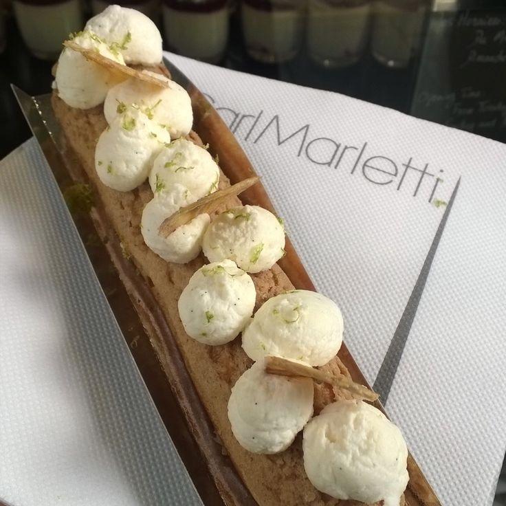 Éclair Marie Galante de Carl Marletti : banane passion monté d'une crème mascarpone au citron vert ^^ #carlmarletti #carlmarletticakes #frenchpastry