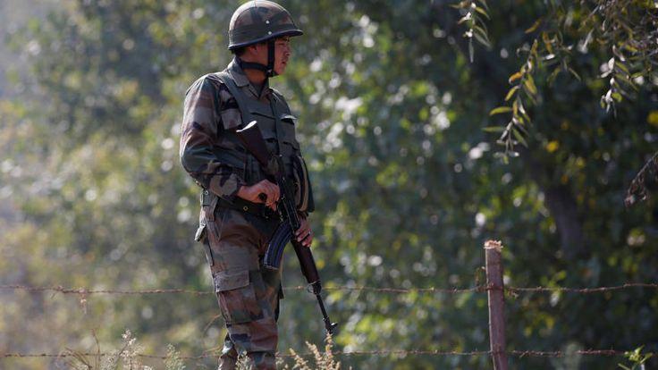 Pakistan neemt Indiase militair gevangen in Kashmir | NOS