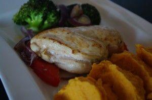 Ovnsbake kylling med grønnsaker og søtpotetpure Foto:Karl inge S Chicken with sweetpotatopure and vegetables
