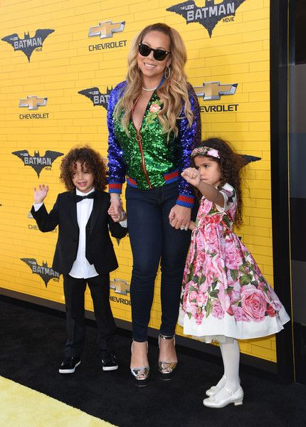 Mariah Carey Photos Photos - Singer Mariah Carey and children Moroccan and Monroe attend the Los Angeles premiere of The Lego Batman Movie at the Regency Village Theatre in Westwood, California, on February 4, 2017. / AFP / CHRIS DELMAS - Premiere of Warner Bros. Pictures' 'The LEGO Batman Movie' - Arrivals