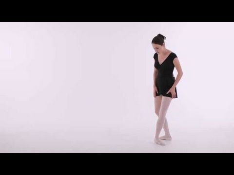 ▶ Ballet Dancing: How to Do a Pirouette - YouTube