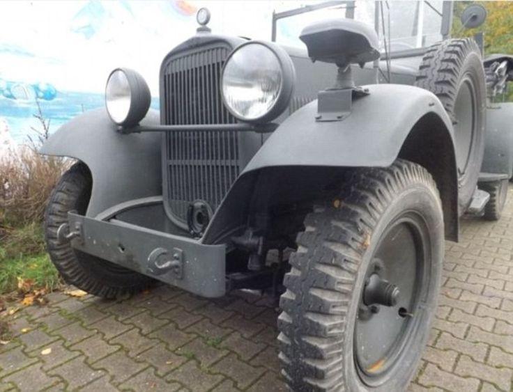 Салон ретроавто Oldtimer Agency в немецком городе Меттман выставил на продажу Wanderer W11/1 Генриха Гиммлера, рейхсфюрера СС. На машину в идеальном техническом состоянии поставили цену в 500 тысяч евро. На этом внедорожнике Генрих Гиммлер ездил во время Второй мировой войны. Как сообщает издание Daily Mail, на этом авто шеф СС посещал концентрационные лагеря в Восточной Европе, в частности Освенцим.