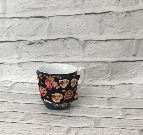 Hearts cup sleeve, insulated drinks holder, coffee cozy