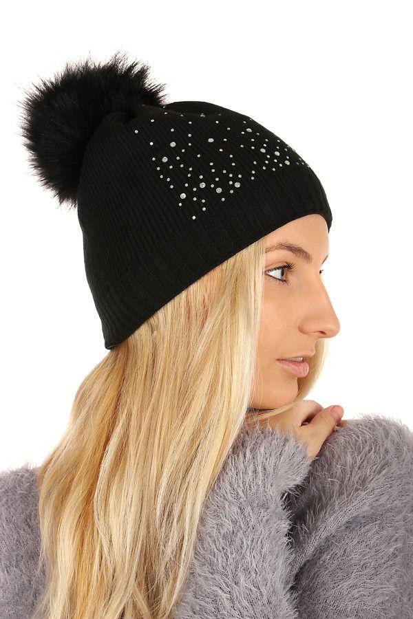 Dámská pletená čepice s kamínky a bambulí - koupit online na Glara.cz  glara cca539f334