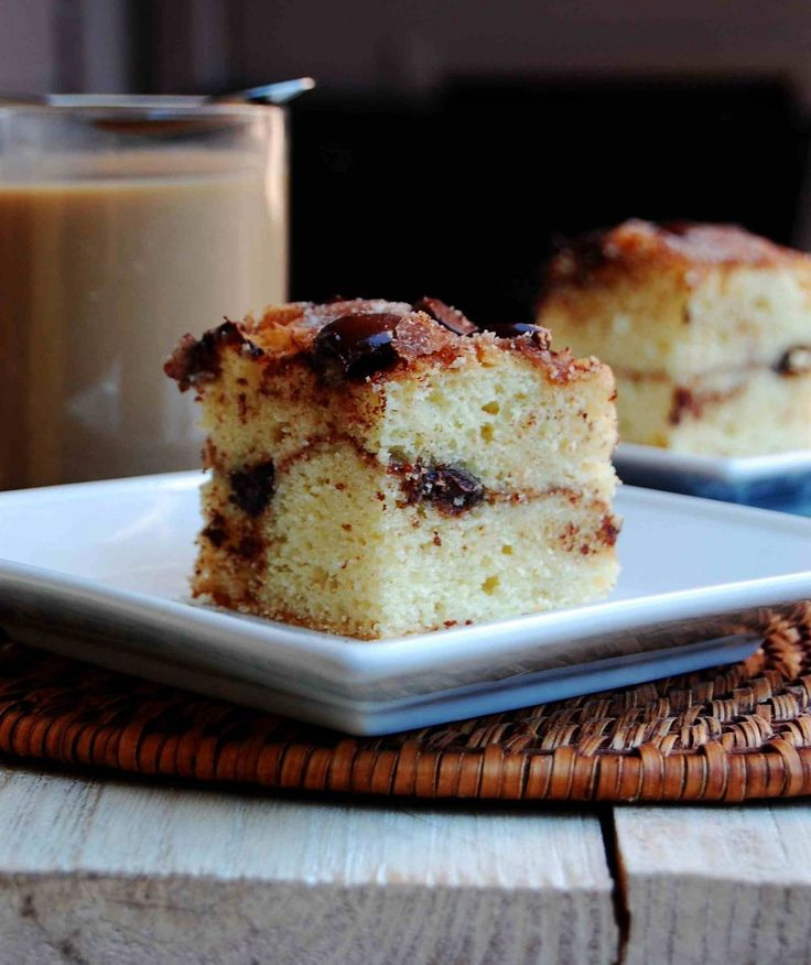 Sour Cream Chocolate Chip Coffee Cake — A crowd-friendly cake that's both tangy and sweet. (Click on image for recipe) via @Danguole | 10thkitchen.com