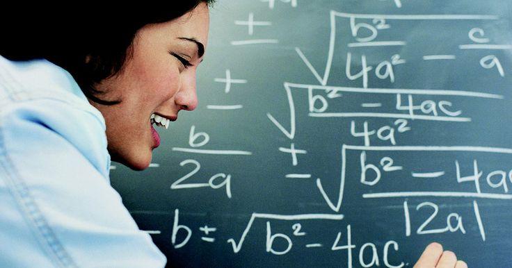 """Cómo obtener el símbolo de raíz cuadrada en Word. El símbolo matemático de raíz cuadrada se llama radical. Si necesitas insertar el radical en un documento de Microsoft Word, puedes hacerlo a través del menú de """"Símbolos"""". Una vez insertado, puedes colocar un número adentro del radical o dejarlo en blanco, si deseas insertar el número más adelante."""