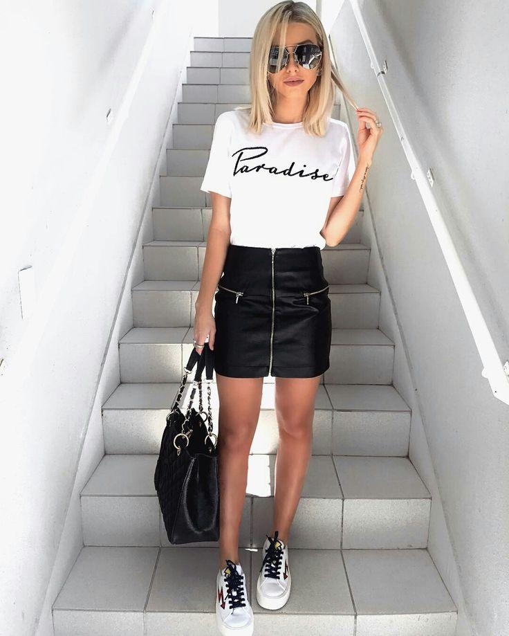 Bianca Petry, saia de couro, blusa branca tênis branco, look preto e branco