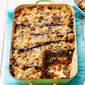 Auberginelasagne met spinazie, pittig gehakt en ricotta