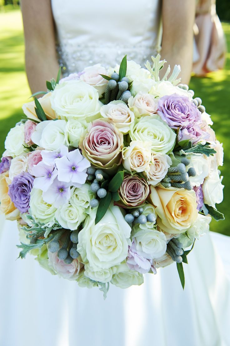 22 best chewton glen weddings images on pinterest wedding bouquets wedding wednesday inspiration for wedding flowers in july beautiful florals created by arcade flowers featuring stunning roses izmirmasajfo