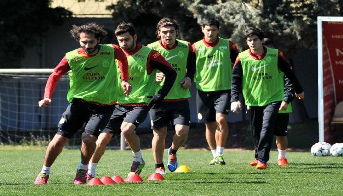 Galatasaray Futbol Takımı, Karabükspor maçının ertesinde Şampiyonlar Ligi'nde oynayacağı Chelsea maçının hazırlıklarına bu sabah yaptığı çalışma ile başladı.