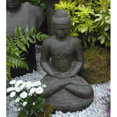 Les 25 meilleures id es de la cat gorie statue bouddha sur for Statue bouddha exterieur pour jardin