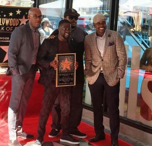 Photos: Kevin Hart receives a star on the Hollywood Walk of Fame - http://www.thelivefeeds.com/photos-kevin-hart-receives-a-star-on-the-hollywood-walk-of-fame/