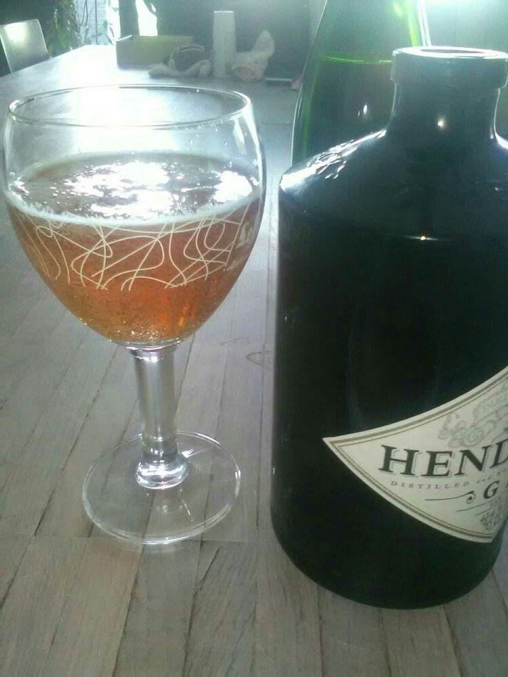 """""""wild""""bier met rozemarijn/jeneverbes/honing """"game""""beer with rosemary/juniperberrie/honey Lekker bij lams.  Excellent with lamb."""