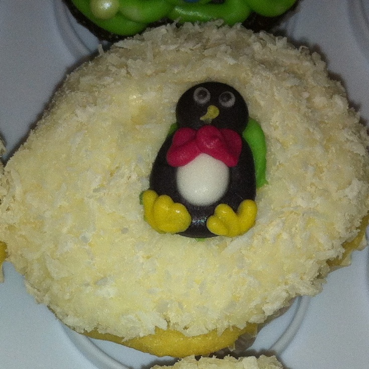 Snow cupcake with penguin