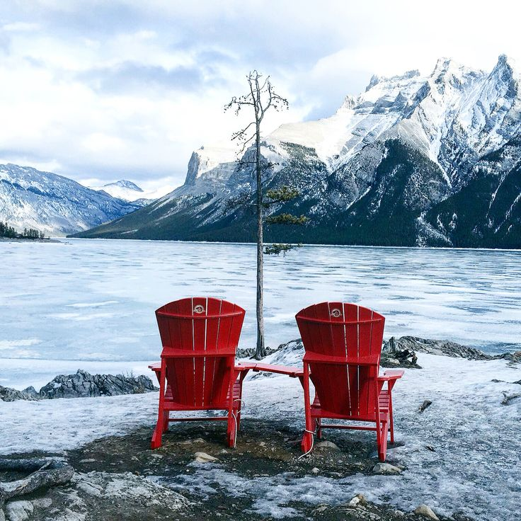 Lake Minnewanka #Banff  So much beauty...