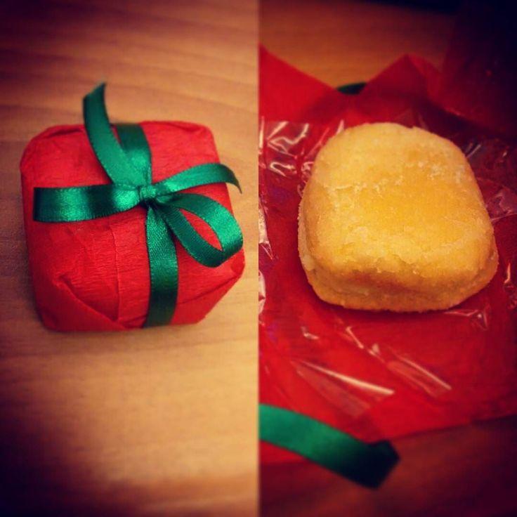 Papai Noel me visitou mais cedo e deixou de souvenir um bem-casado temático #adocica #bemcasado #natalino #delícia #docinho #depratosaprosas