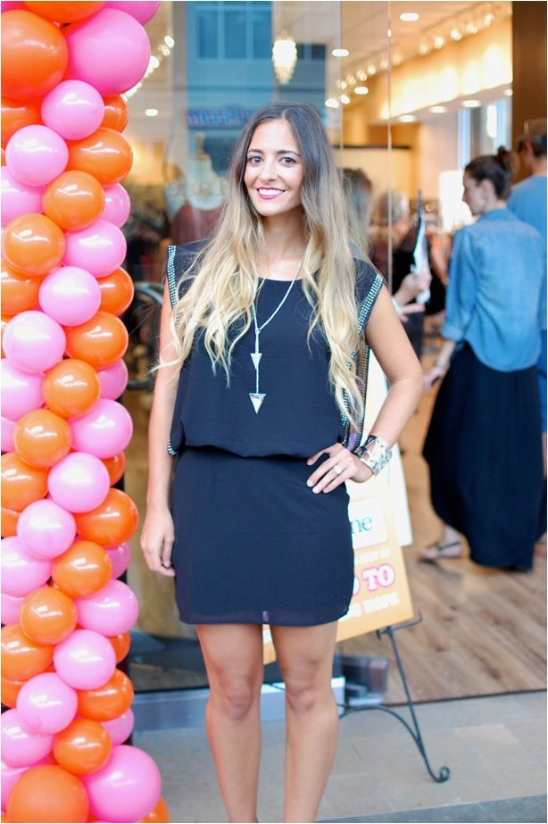 Look how beautiful triFABB blogger Nikki is in her Apricot Lane runway look!!