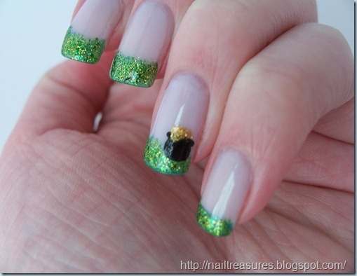 Pot of Gold Nails: Gold Nailsadorb, Nails Art, Nails Design, Glitter Gradient Nails, Makeup Ideas, St. Patrick'S Day, Nails Ideas, Gold Nails Adorb, Holidays Nails
