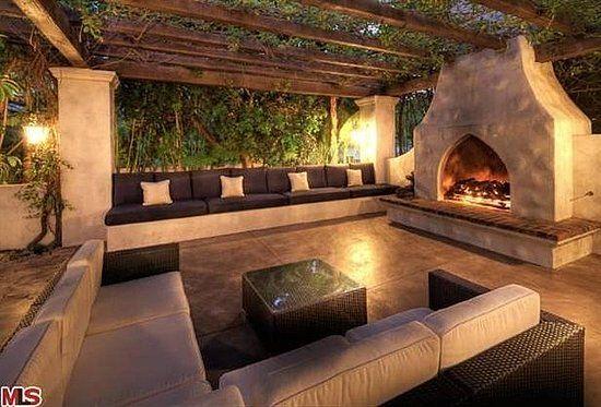 My dream out door living room.