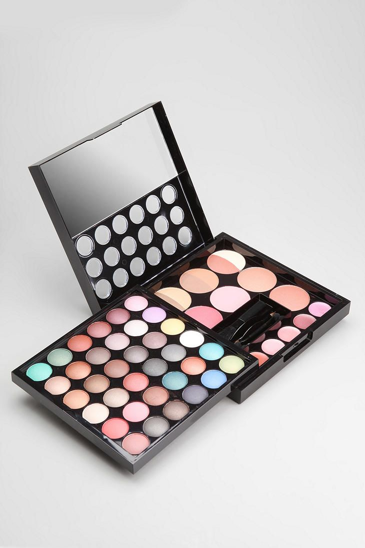 nyx makeup palette. nyx makeup artist palette - urban outfitters nyx